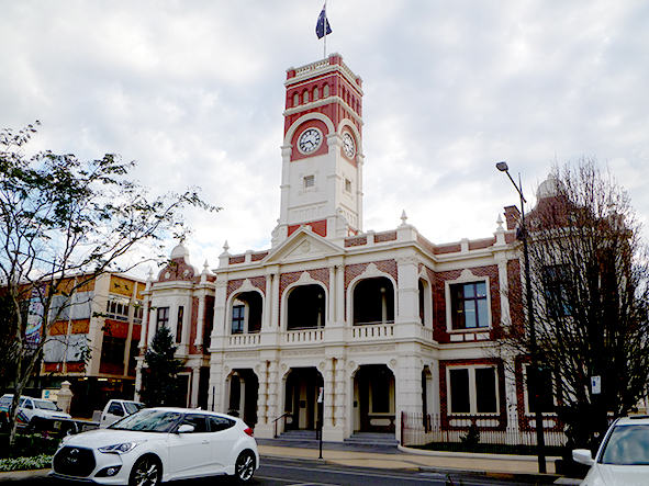 The grandiose Toowoomba Town Hall built in Ruthven Street in 189